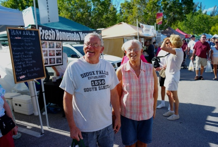 We met Tropicana neighbors Ron and Gerry Weber who were enjoying a beautiful day at the market